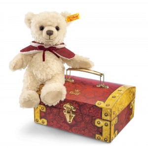 Clara Teddy Bear In Treasure Chest