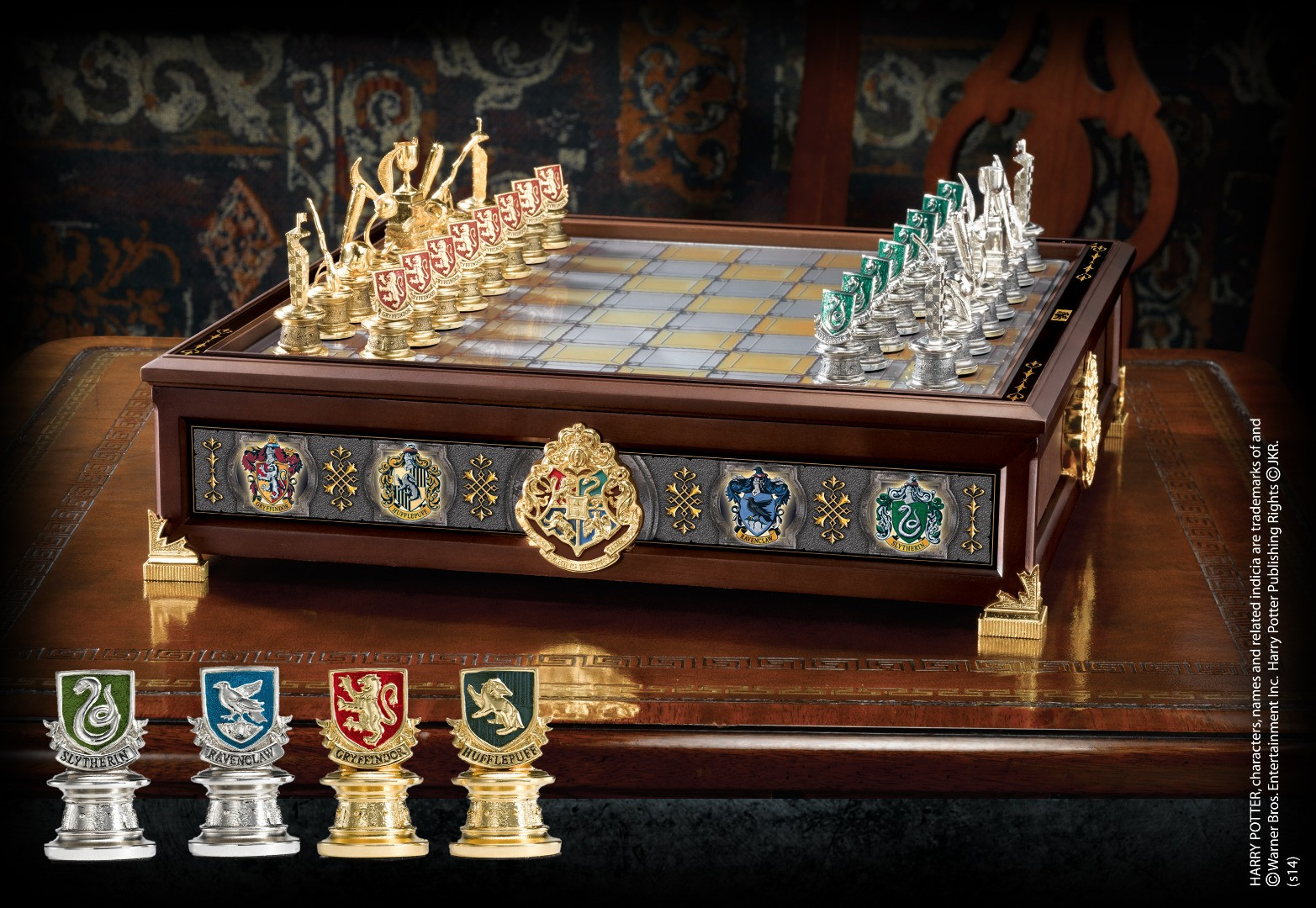 Quidditch Chess Set (Silver & Gold Plated)