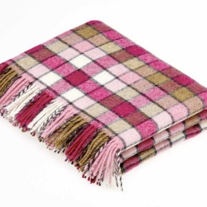 Berlin - Pure New Wool - Pink/Natural Throw