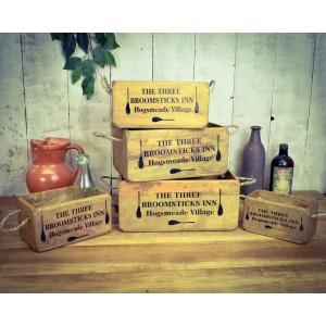 Small Three Broomsticks Box